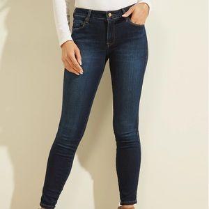 Guess | Dark wash denim skinny jeans size 24
